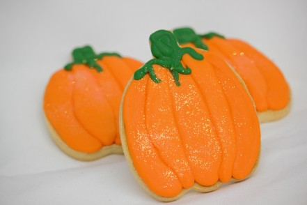 Pumpkin-Cookie-Decorated-Halloween-Thanksgiving-Fall-Leaves-Cinottis-Fondant-Icing-Place-Setting-Table